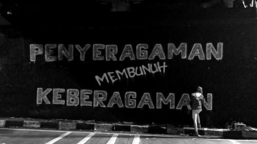 City of Tolerance - Penyeragaman membunuh Keberagaman, Zent